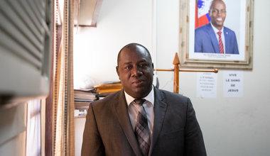 Doyen du Tribunal de Première Instance de Port-au-Prince, Bernard Saint-Vil aborde le sujet de la détention préventive prolongée dans les prisons haïtiennes. © Leonora Baumann / UN / MINUJUSTH, 2018
