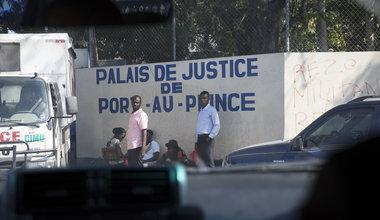 Au Palais de Justice de Port-au-Prince, la MINUJUSTH a financé la formation de deux bureaux d'assistance légale et gratuite. © Leonora Baumann / UN / MINUJUSTH, 2018