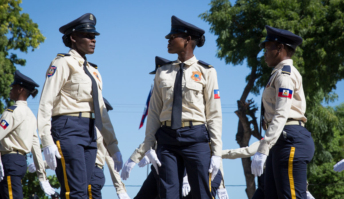 La MINUJUSTH travaille étroitement avec le Gouvernement d'Haïti, ainsi qu'avec d'autres partenaires nationaux et internationaux, afin de mettre en œuvre le mandat conféré par le Conseil de Sécurité. © Leonora Baumann / UN / MINUJUSTH, 2018