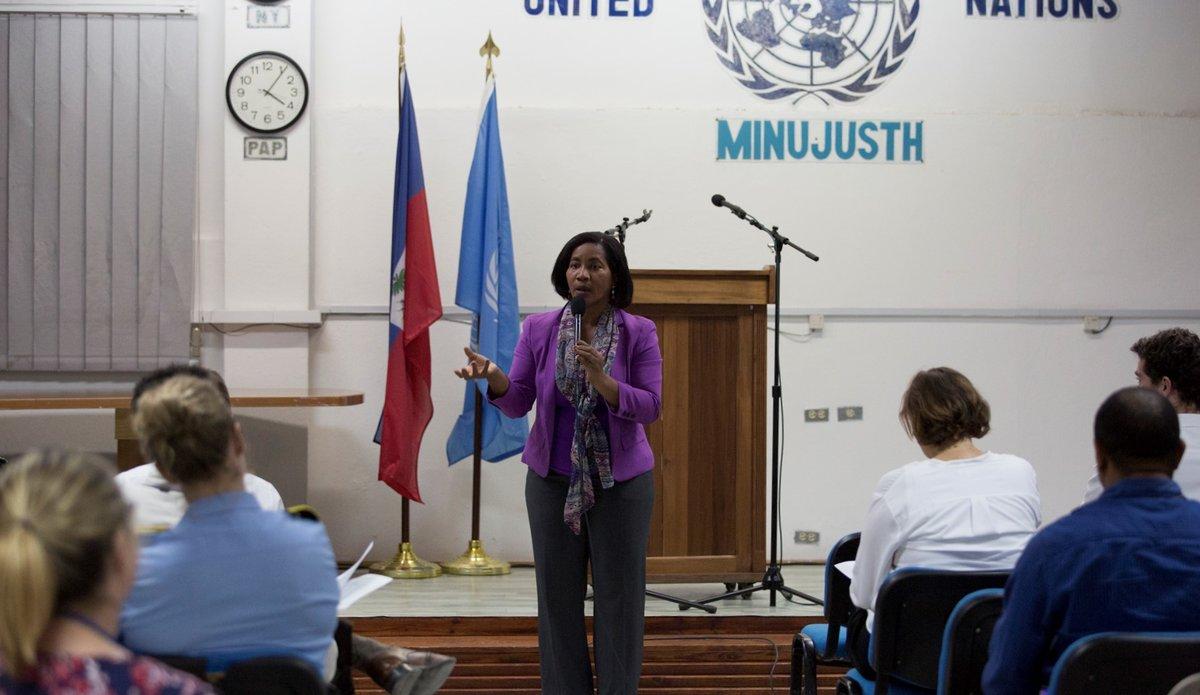 Pour la Journée internationale des femmes, Mona Jean, représentante de la section Genre de la MINUJUSTH, a évoqué les obstacles au respect des droits des femmes en Haïti. © Leonora Baumann / UN / MINUJUSTH, 2018