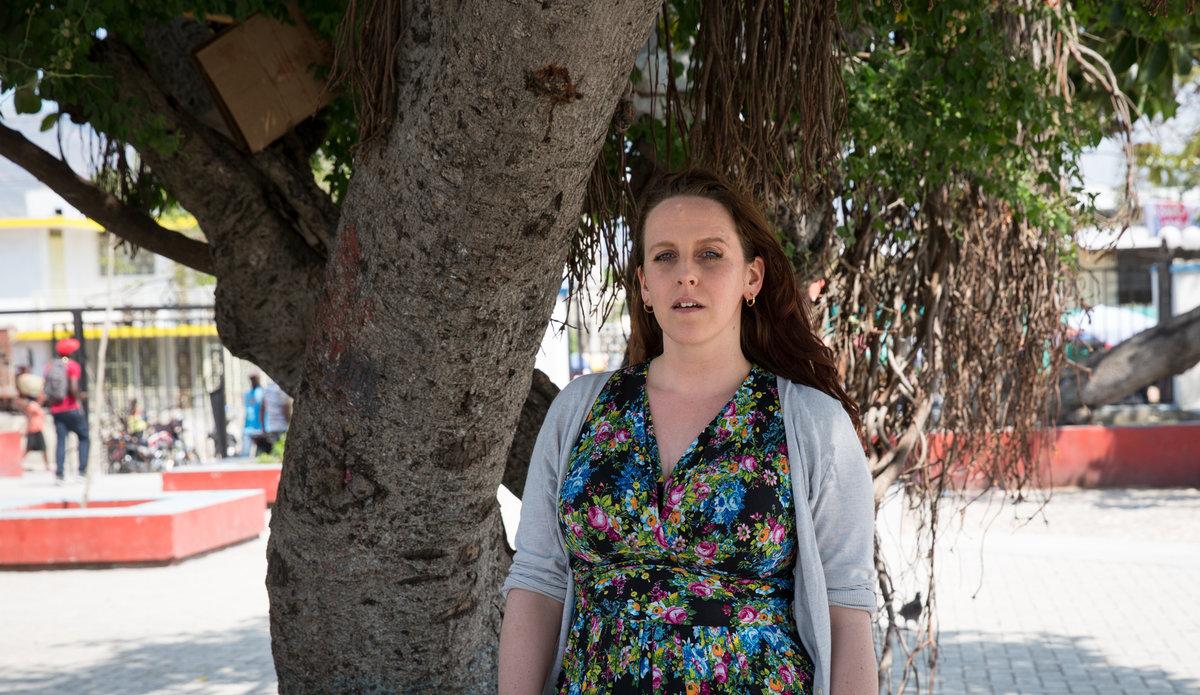 Directrice de l'organisation Keeping Children Safe (« Protéger les enfants »), Sarah Blakemore faisait partie d'une délégation d'enquêteurs en Haïti pour instaurer des normes strictes sur l'exploitation et les abus sexuels des enfants. © Leonora Baumann / UN / MINUJUSTH, 2018