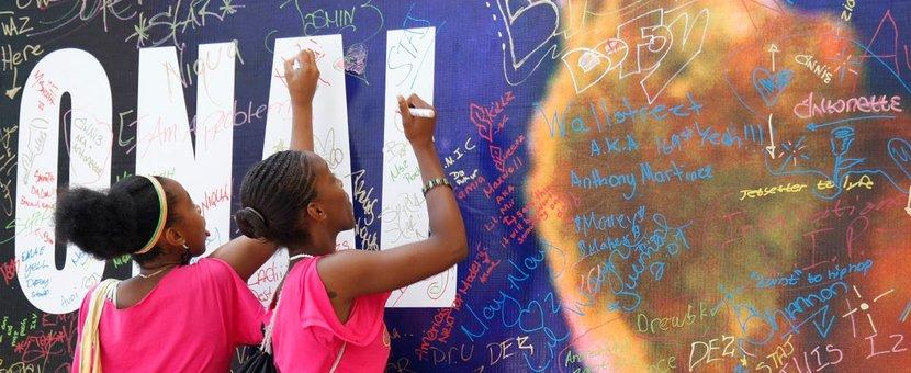 À New York (États-Unis), de jeunes étudiants célèbrent la Journée internationale de la Jeunesse © Paulo Filgueiras / UN, 2018